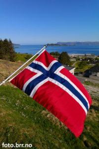 17. mai med norsk flagg