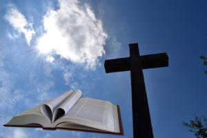 Bibel, kors og himmel